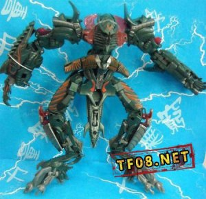 transformers-2-toy-the-fallen